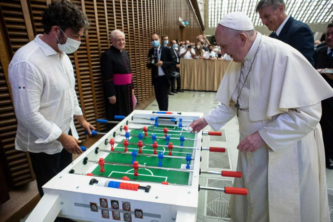Soccer-loving Pope Francis gets a new toy: a foosball table